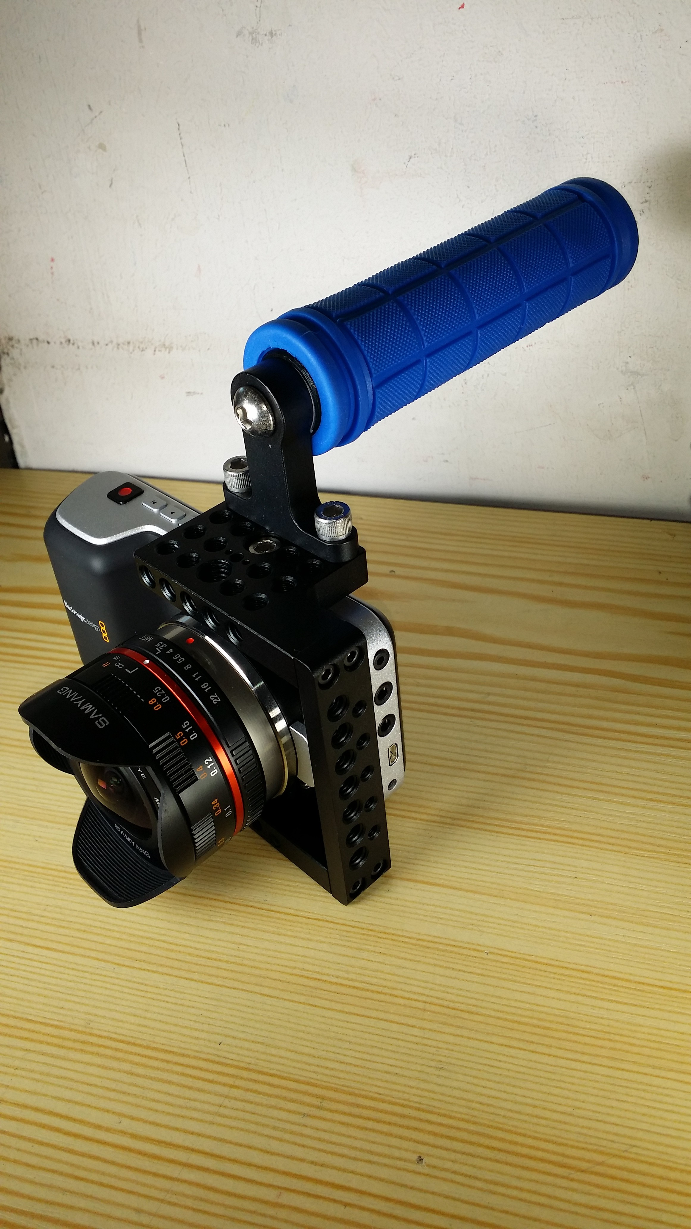 BMPCC  BLACKMAGIC POCKET CINEMA CAMERA CAGE RIG