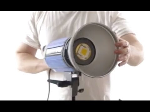 SUPERFLASH LED-1500 OPEN FACE STUDIO LIGHT 5600K / 1500W