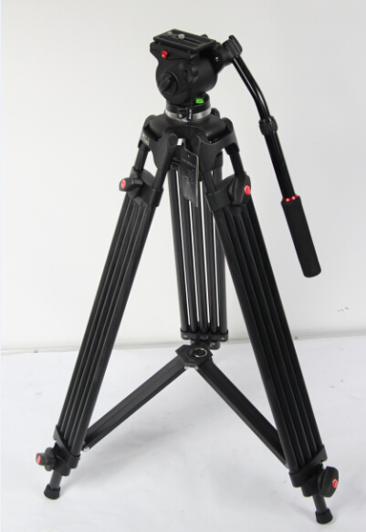 JY0508C CARBON FIBER VIDEO TRIPOD WITH JY0606 FLUID HEAD 6 KG PAYLOAD / 190 CM